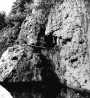 Bassa davant la cova d'Aiguafreda de Dalt